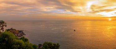 Scène de coucher du soleil au cap de Phromthep le meilleur point de vue de coucher du soleil de nature à Phuket Images libres de droits