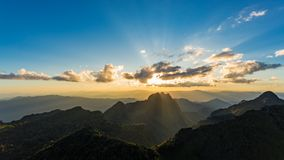 Scène de coucher du soleil chez Doi Luang Chiang Dao Images stock