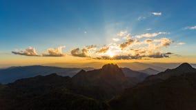 Scène de coucher du soleil chez Doi Luang Chiang Dao Photographie stock libre de droits