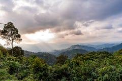 Scène de coucher du soleil chez Kaeng Krachan Image stock