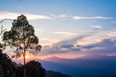 Scène de coucher du soleil chez Kaeng Krachan Images libres de droits