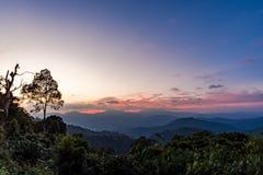 Scène de coucher du soleil chez Kaeng Krachan Photos libres de droits