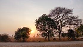 Scène de coucher du soleil dans Bagan, Myanmar Photos libres de droits