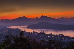 Scène de coucher du soleil dans Luang Prabang Images libres de droits