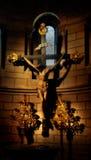 Scène de crucifixion dans l'église Images libres de droits