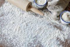 Scène de cuisson avec de la farine Photographie stock libre de droits