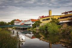 Scène de façade d'une rivière de Kungsbacka Photos libres de droits