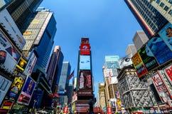 Scène de journée de Times Square. Photographie stock libre de droits
