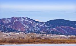 Scène de montagne en hiver photo libre de droits