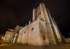 Scène de nuit de cathédrale célèbre d'Avila, Castille y Léon, Espagne photo stock