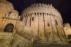 Scène de nuit de cathédrale célèbre d'Avila, Castille y Léon, Espagne photographie stock libre de droits