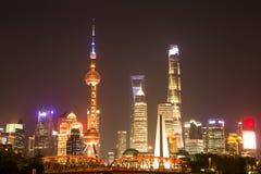 Scène de nuit dans Bund, Changhaï photographie stock libre de droits