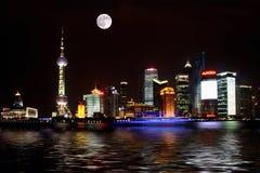 Scène de nuit de digue de la Chine Changhaï Photographie stock