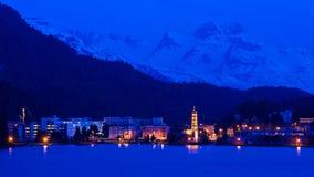 Scène de nuit de saint Moritz, Suisse Photos stock