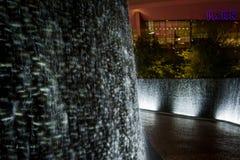Scène de nuit du mur de l'eau de parc de Las Vegas photos stock