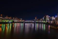 Scène de nuit, vue de rivière de Sumida dans la région d'Asakusa, Tokyo Image stock