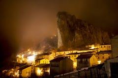 scène de pizzoferrato de nuit de l'Italie Image stock
