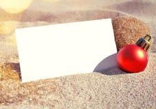 Scène de plage avec la carte de voeux image libre de droits