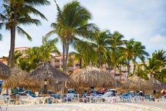 Scène de plage d'Aruba de Palm Beach Photos libres de droits