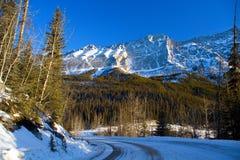 Scène de route de montagne photos stock