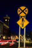 Scène de rue au coucher du soleil dans Chatham NY Image stock