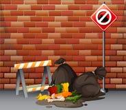 Scène de rue avec les déchets sales sur le plancher Images stock
