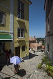 Scène de rue dans la ville du sintra, Portugal image stock