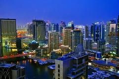 scène de scape de nuit du Dubaï de 4 villes Photo stock