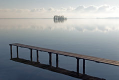 Scène de Tranquille à un lac Images libres de droits