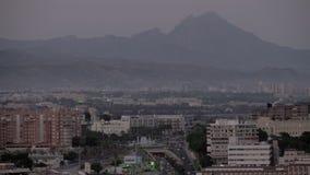 Scène de ville avec des montagnes Alicante, Espagne clips vidéos