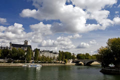 Scène du fleuve de Seine, Paris photographie stock libre de droits