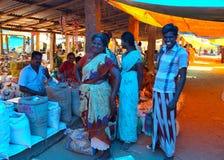 Scène du marché dans l'Inde images libres de droits