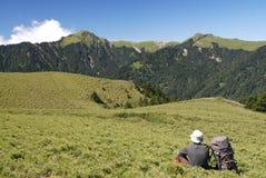 Scène et randonneur de montagne Image libre de droits