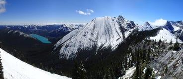 Scène fraîche de montagne de neige de lac barrier Images libres de droits
