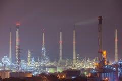 Scène gentille de centrale de raffinerie de pétrole chez Lamchabang, Thaïlande Images stock