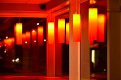 Scène intérieure de nuit de café rouge photographie stock libre de droits