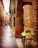 Scène italienne de rue dans la ville de Ferrare Image stock