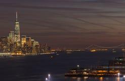 Scène Manhattan du centre, pont de nuit de Verazano Photographie stock