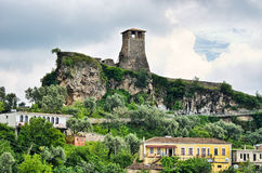 Scène met Kruja-kasteel dichtbij Tirana, Albanië Royalty-vrije Stock Afbeelding