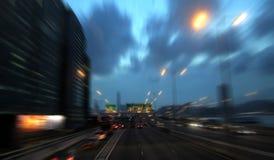 Scène mobile de voiture sur la route Image libre de droits
