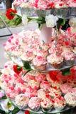 Scène prête à servir de petit gâteau Images libres de droits