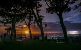 Scène romantique au coucher du soleil à Lisbonne Photo libre de droits
