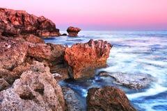 Scène rouge et bleue de mer images stock