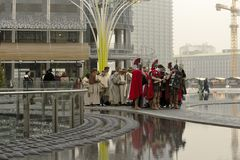 Scène sous tension de nativité au hub d'affaires, Milan, #03 Photos stock