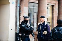 Scène surveilling d'attaque terroriste de police après attaque Strasbour photographie stock libre de droits