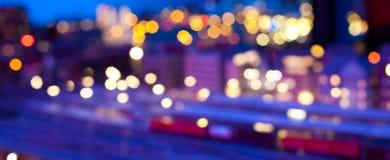 Scène urbaine brouillée de nuit Images stock