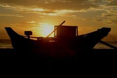 Scène van het de Zon de vastgestelde Strand van Srilankan Royalty-vrije Stock Afbeelding