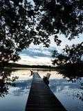 Scène vers le lac de fin d'été image stock