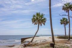 Scènes de plage d'île de chasse Images libres de droits