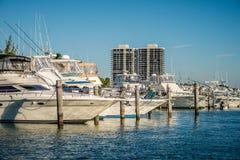 Scènes de plage de Miami la Floride un jour ensoleillé Photos stock